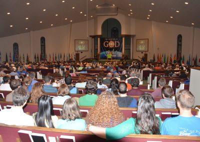 B01Hundreds gathered to work toward global missions_